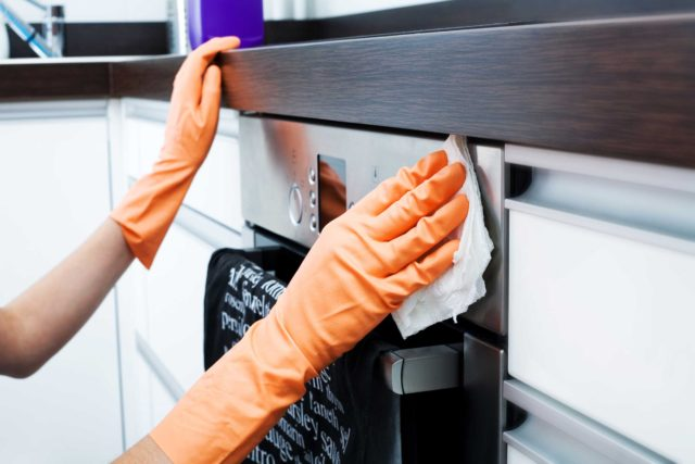 Как убрать жир на кухне
